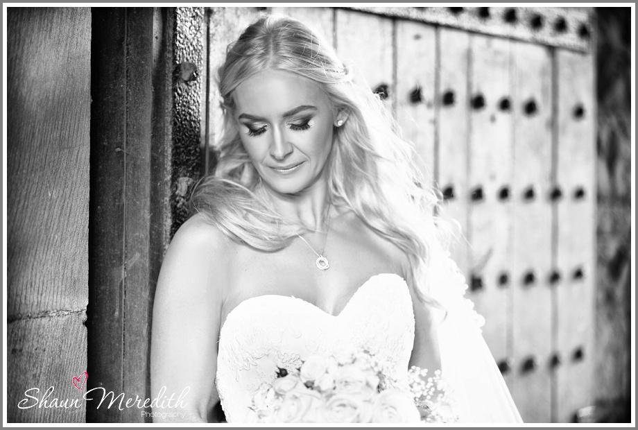 Sweetheart neckline, Pronovias Wedding dress