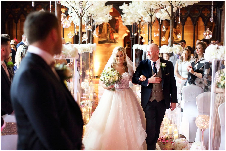bride arriving with dad