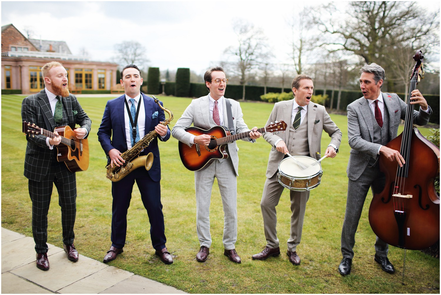 entertainment at merrydale manor on the lawn
