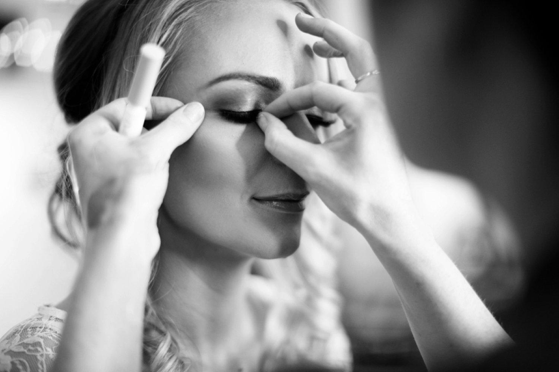 brides false eyelashes