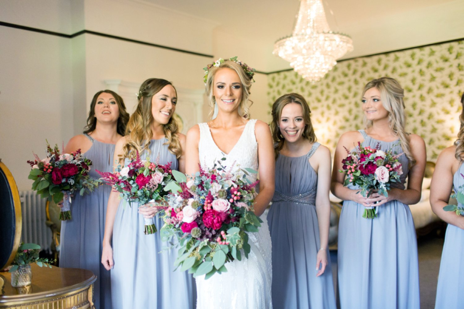 beautiful bride and bridesmaids flowers