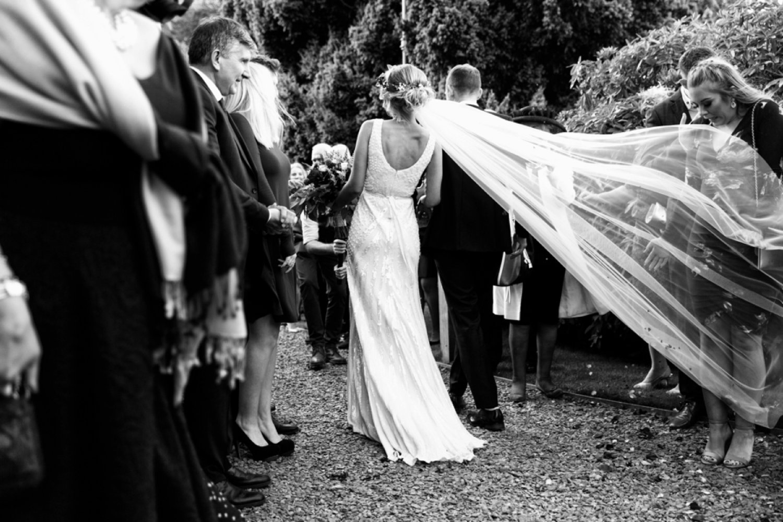 brides veil floating