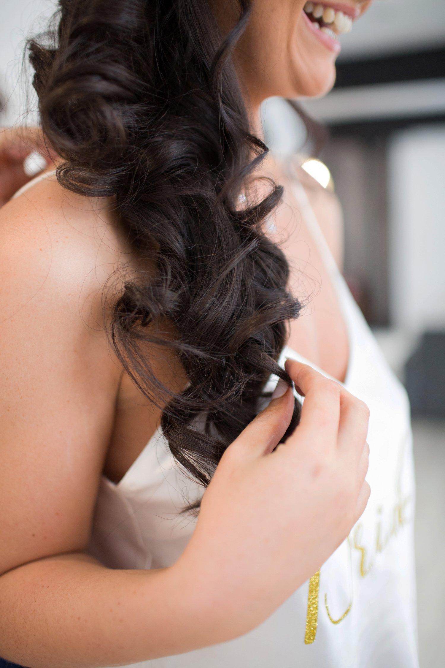 brides hair curls